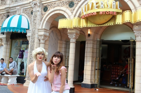 Ran into Marilyn Monroe! :DHollywood is my favorite part of USS